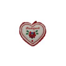 FILC TŰPÁRNA KÖZEPES HÍMZETT Szív alakú, Budapest felirattal